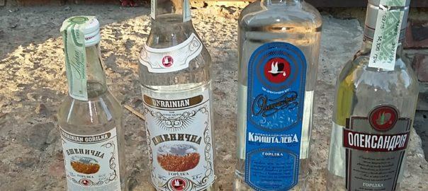 В прокуратуре назвали марку водки, за которую умерли 13 человек в Харькове