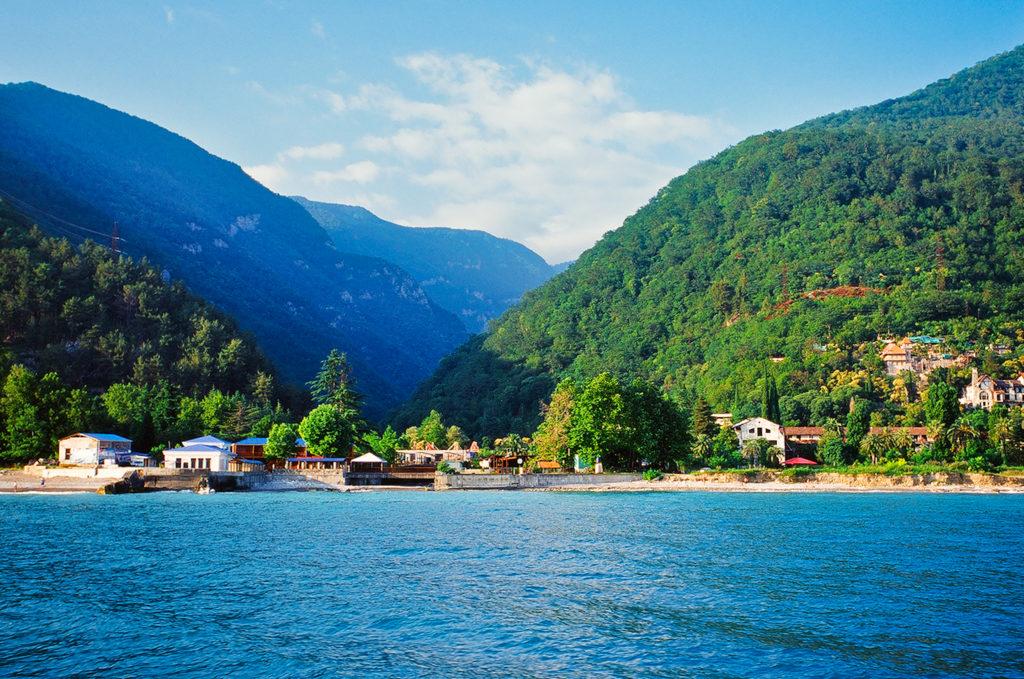 Где отдохнуть зимой? Абхазия