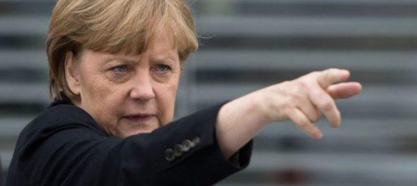 Германия: Меркель призывает запретить одежду, закрывающую лицо