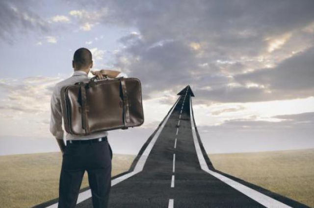 Почему люди едут работать за границу: исследования
