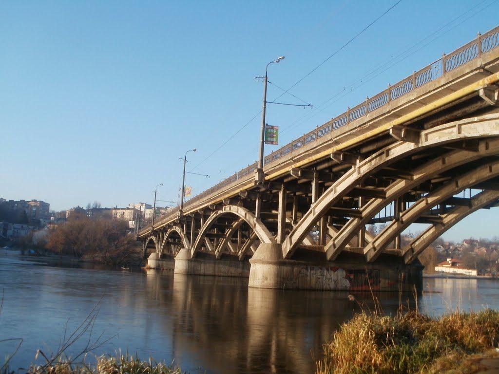 Киевский мост в Виннице закрывают.