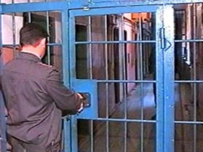 В изоляторе временного содержания на Винниччине в одном холодильнике хранили продукты и образцы крови