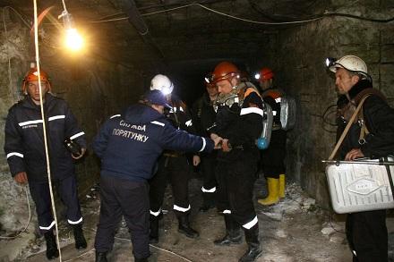 Тело мужчины, который погиб под завалом в шахте, получили только через двое суток