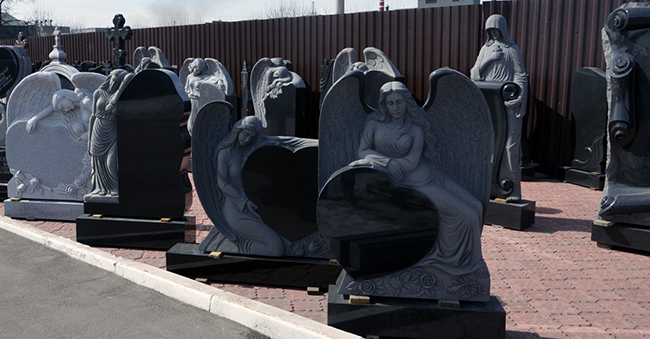 Памятник на могилу как выбрать Мраморный голубь Маяковская