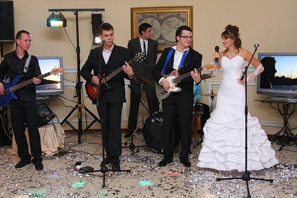 Нужна ли живая музыка на свадьбе?