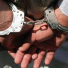 Следователя, который крал наличные деньги и золото из вещественных доказательств, взяли под стражу