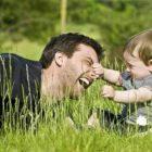 Сегодня 18 июня День отца — история, красивые смс поздравления и открытки