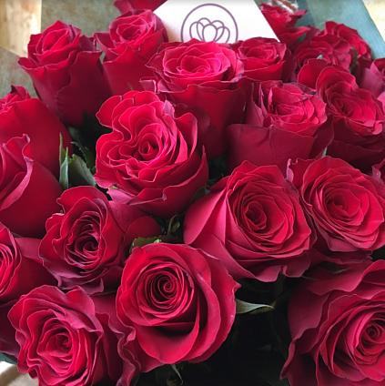 Какие цветы лучше подарить любимой девушке - советы от флористов
