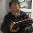В Виннице мужчина пытался попасть в суд, зато был задержан по подозрению в совершении пре ступлений