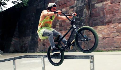 Обираємо BMX велосипед