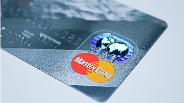 Удобный способ перевести деньги от Mastercard